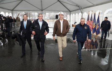 Foto Feature: Cuomo opens state's first drive-through COVID-19 testing site in New Rochelle