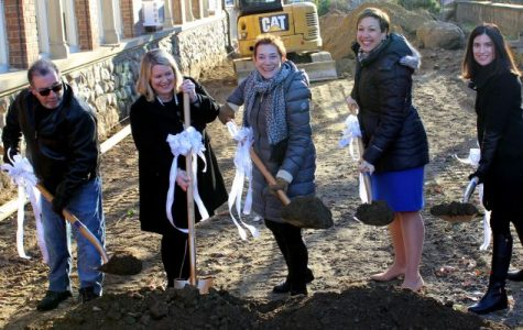From left, Former Board of Education member and PTA President Tom Imperato, Siwanoy PTA President Jennifer Hawks Bland, Siwanoy Principal Susan Gilbert, Superintendent Dr. Cheryl Champ and Hannah Resnick of the Siwanoy Outdoor Classroom Committee.