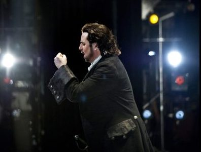 Opera singer Matthew Polenzani of Pelham brings balance to the stage life