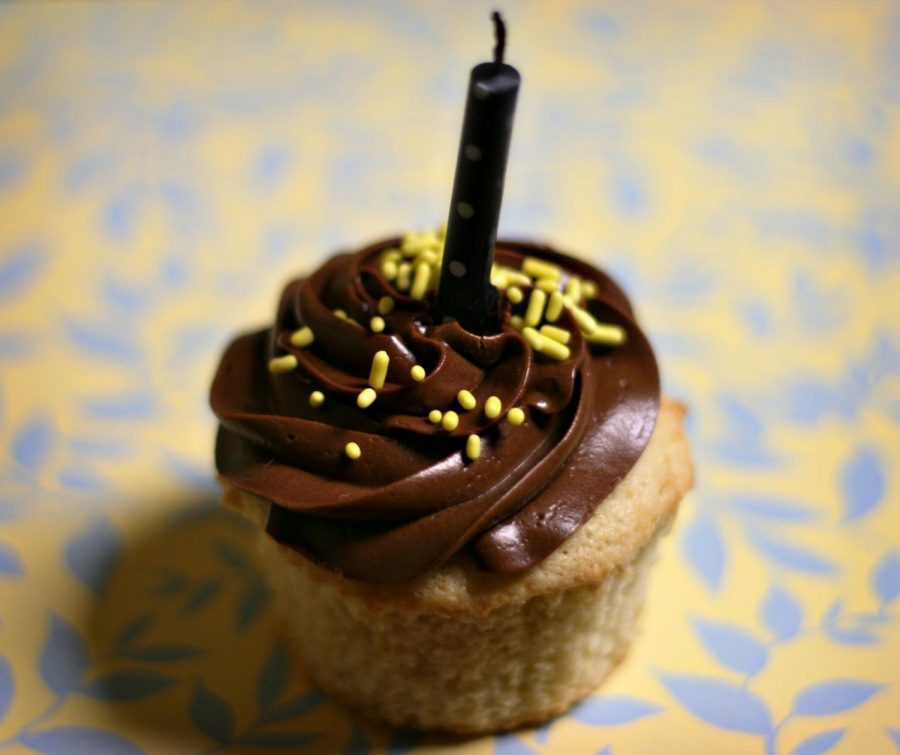 Cupcakes%2C+other+treats+banned+at+elementary+school+birthday+parties