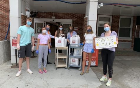 PMHS Operation Smile club delivers meals to front-line workers