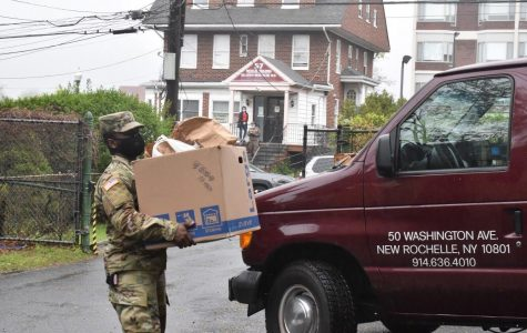 Foto Feature: Bringing food to Hope Soup Kitchen with National Guard assist