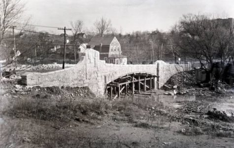 East Lincoln Avenue Bridge construction on Nov. 11, 1926.
