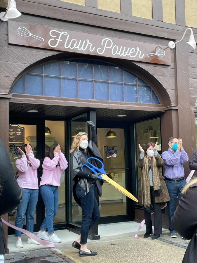 Pelham Manor Mayor Jennifer Monachino Lapey cut the ribbon at Flour Power's grand opening.