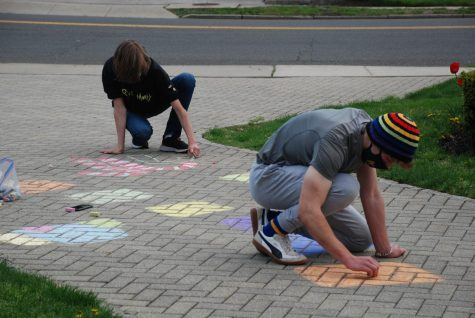 Foto Feature: Chalking surprise welcome at PMHS entrances