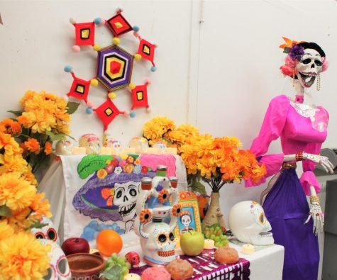 Pelham Art Center Halloween: Mask-making workshop, El Dia De Los Muertos folk art